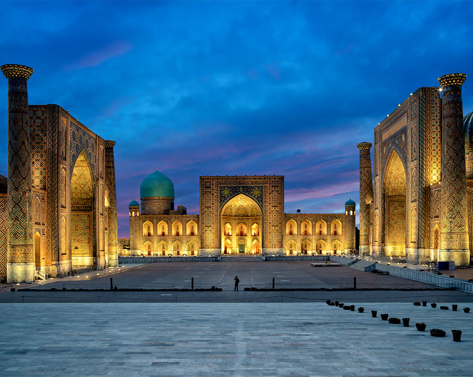 uzbekistan.plaza-registan.jpg